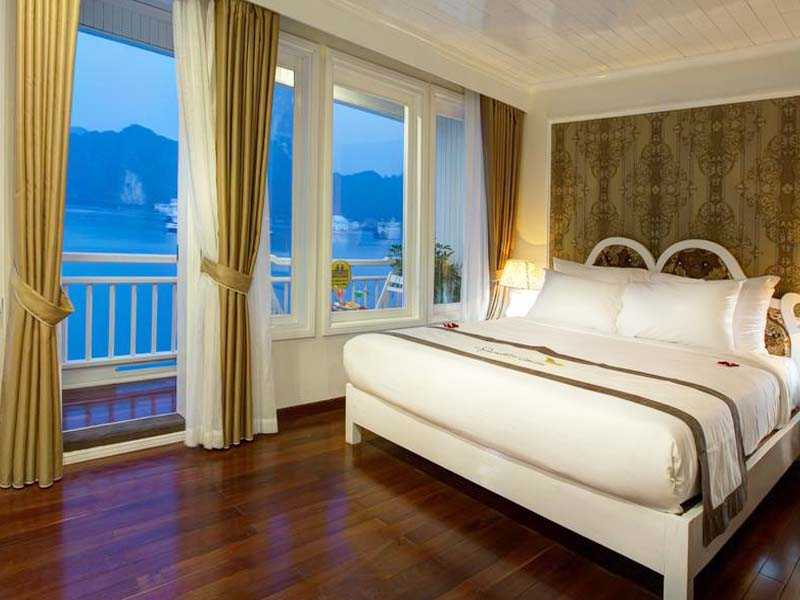 signature-royal-cruise-rooms-8